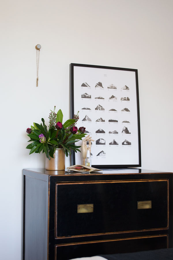 clearing the clutter is one of my styling tips for a minimal bedroom design