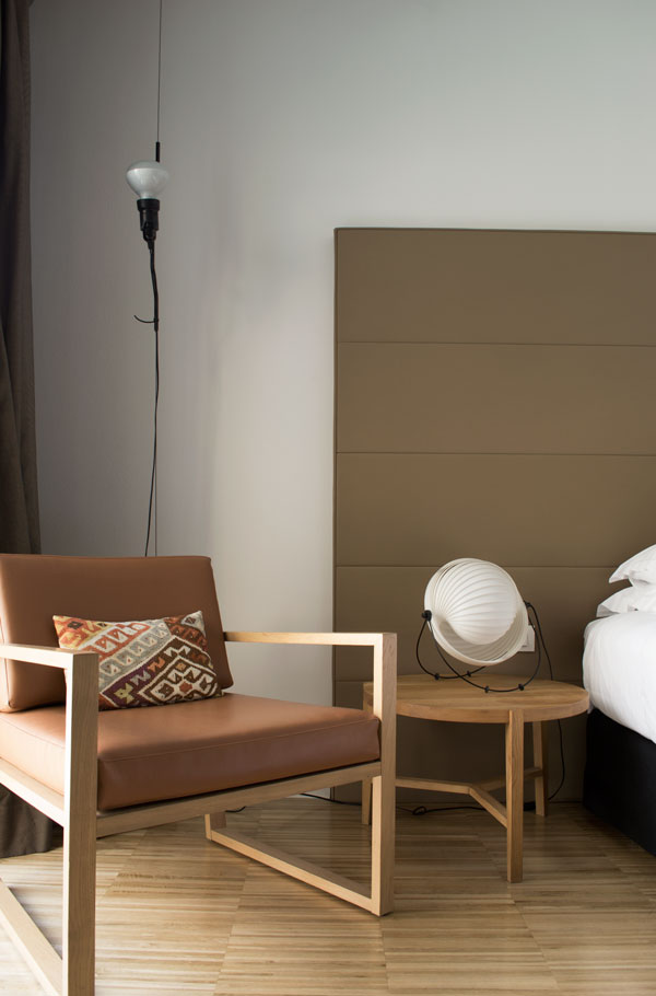 Superior room inside the Hotel Alexandra Barcelona in the Eixample district