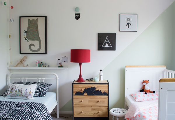 Bright_Renter_Friendly_Kids_Decor_Shared_Bedroom_Styling