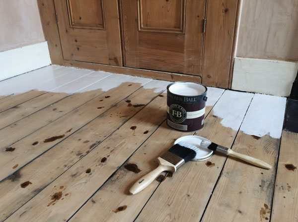how_to_paint_wooden_floors_a_guide_08