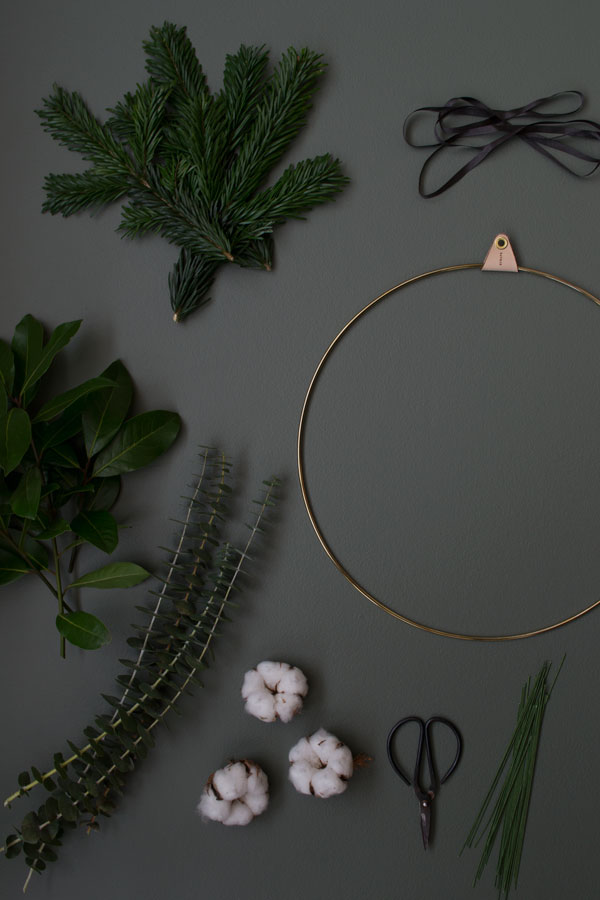 Short of time this festive season? Find out how to make a minimal Christmas wreath using a few simple materials.