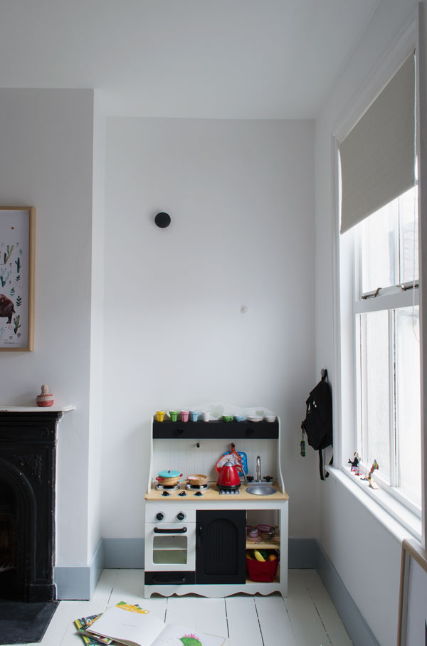 Toy kitchen in our modern Scandi kids bedroom