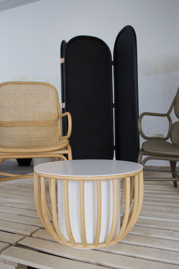 Expormim rattan furniture Centro Redondo Frames table Jamie Hayon Spanish design