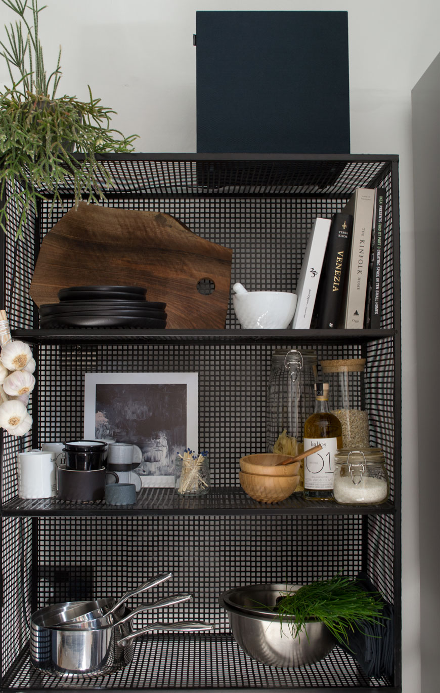 how to style wire shelves, wire shelving unit, freestanding kitchen shelves, Out There Interiors, New Nordic kitchen, kitchen furniture, black shelves, open shelf, open kitchen shelves, open shelves, monochrome kitchen accessories