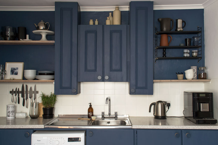 Nordic blue kitchen makeover, blue kitchen units, blue kitchen cupboards, whitewashed floors, open shelves, blue and white kitchen, contemporary blue kitchen