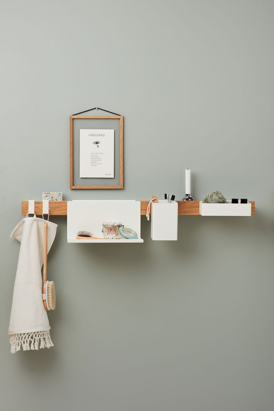 A clutter-free and organised bathroom shelf, the Flex rail by Nordic design brand Gejst.